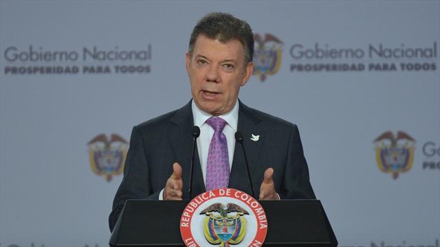 Colombia sería declarada libre de analfabetismo en 2018: Santos