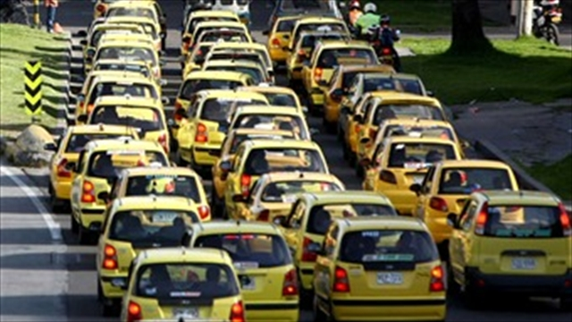 Levantan pico y placa a taxis hasta el 10 de enero en Bogotá