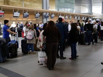 Retrasos de 90 minutos registran vuelos en El Dorado