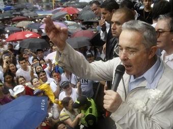 Uribe, el expresidente senador y jefe de la oposición