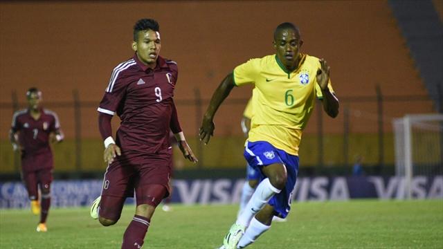 Brasil vence 2-0 a Venezuela y es segundo en el Grupo B con 6 puntos