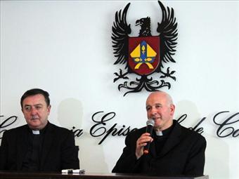 La adopción por parejas homosexuales sería lamentable, dice la Iglesia