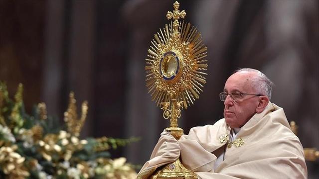 Piden al Papa Francisco que frene adopción homosexual en el país