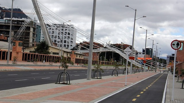 Constructora de puente colapsado en bogot acelerar for Empresas de construccion en bogota