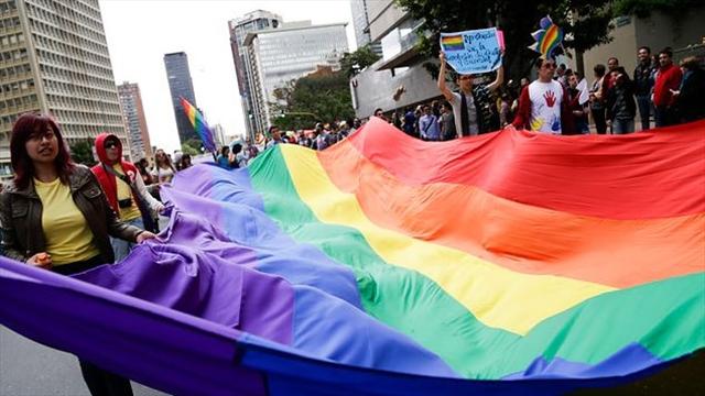 Corte no cerró la puerta a la adopción por parte de parejas homosexuales