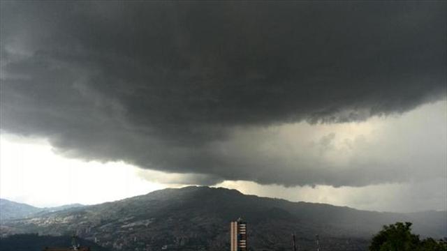 Medellín reporta tres veces al año fenómeno de lluvia