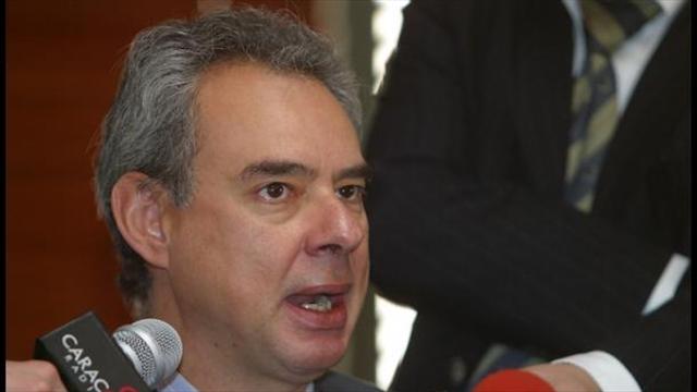 Exmagistrado Rodrigo Escobar a interrogatorio por escándalo en la Corte