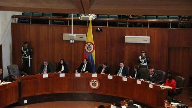 Hoy cumbre de poderes por crisis en la Corte Constitucional