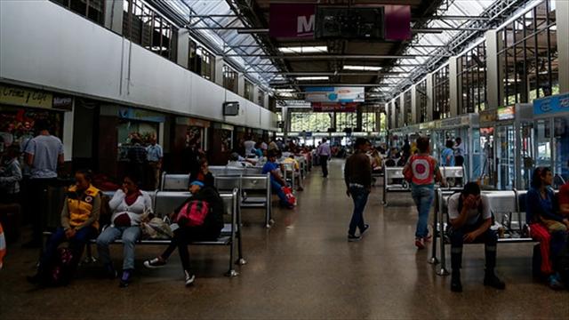 Prohibirán venta de bebidas alcohólicas en terminales de transporte