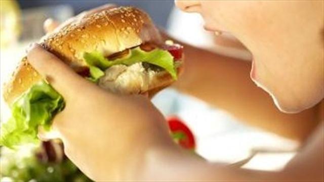 En colegios públicos de Bogotá unos 135.000 niños tienen sobrepeso