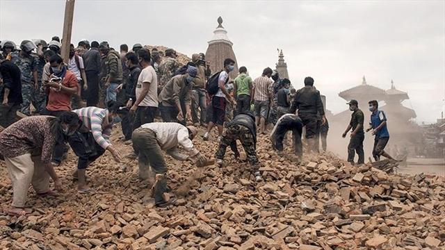 El número de muertos supera los 3.200 en Nepal