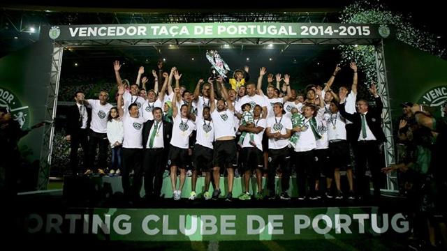 Miles de hinchas del Sporting celebran la Copa lusa en su estadio