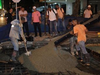 Trabajos nocturnos para pavimentación en sector turístico de Cartagena