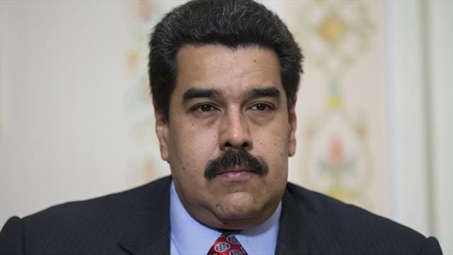 """Nicolás Maduro suspende viaje al Vaticano por """"recomendación médica"""""""