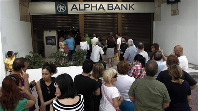Bancos griegos cerrarán hasta 6 julio, sólo se podrá sacar 60 euros diarios