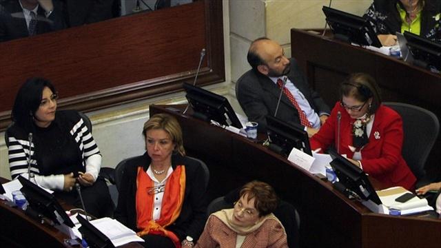 """""""No podemos creer en los plazos de  Santos """": Centro Democrático"""