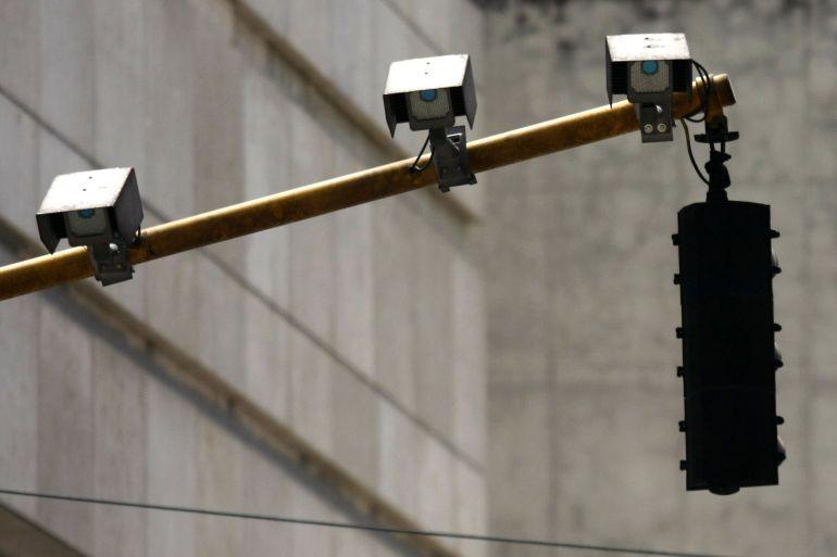 Denuncian la prórroga de un contrato estancado sobre semáforos inteligentes