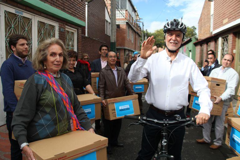 Enrique Peñalosa, candidato a la Alcaldía de Bogotá por firmas y con el apoyo de Cambio Radical