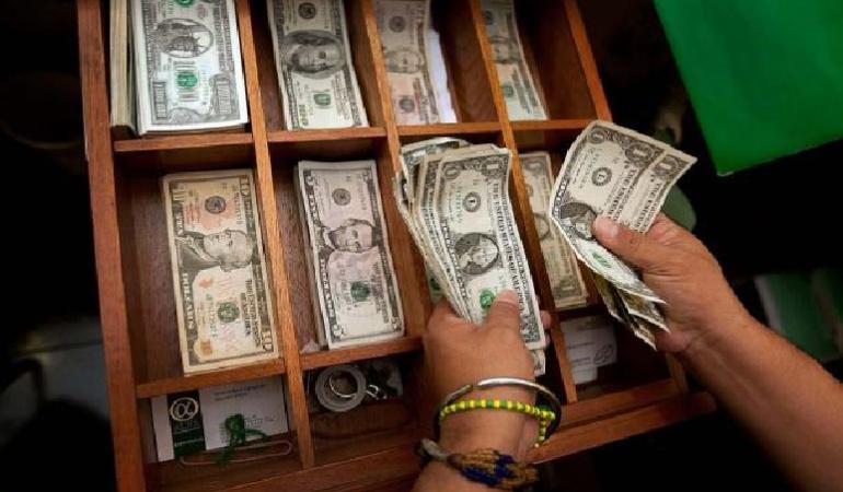 Esta semana el dólar estará por encima de los 2.900 pesos: analistas