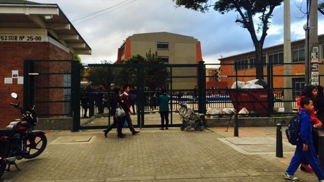 Un joven muerto y 21 más hospitalizados por intoxicación en Bogotá