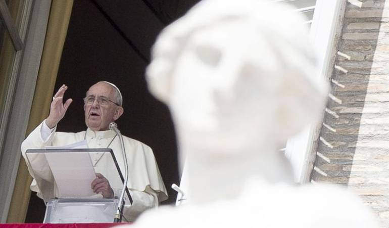 Papa pide a Venezuela y Colombia que superen con solidaridad la crisis en la frontera