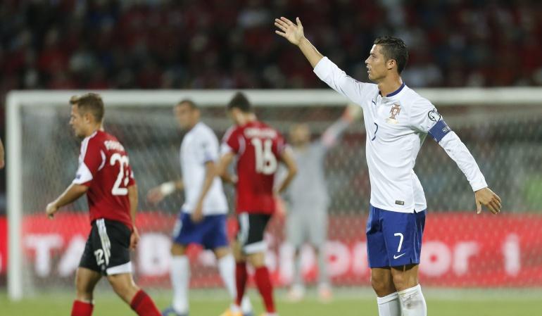 Portugal vence a Albania y se acerca a la Eurocopa