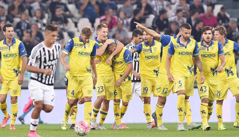 Dybala, de penalti, evita una nueva derrota del Juventus