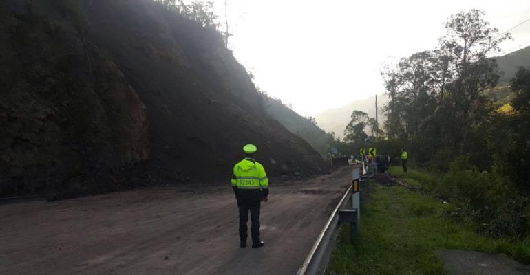 Trabajos sobre la carretera Bogotá - Villavicencio