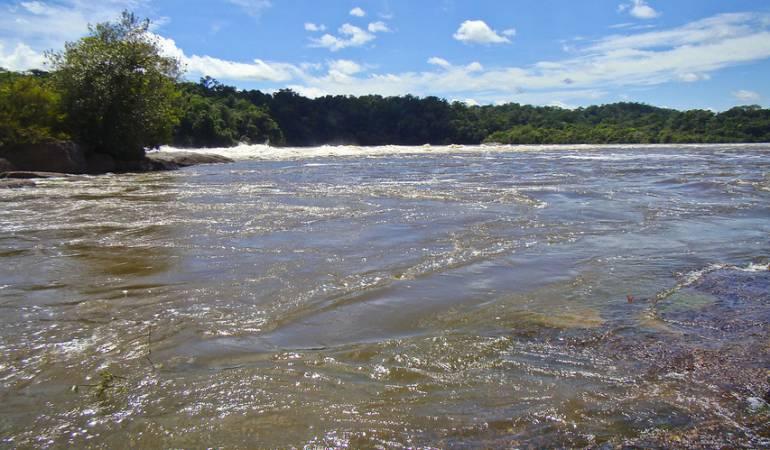 Barco Amazonas se hunde lancha: Embarcación se hunde en río Amazonas dejando un muerto y 14 heridos