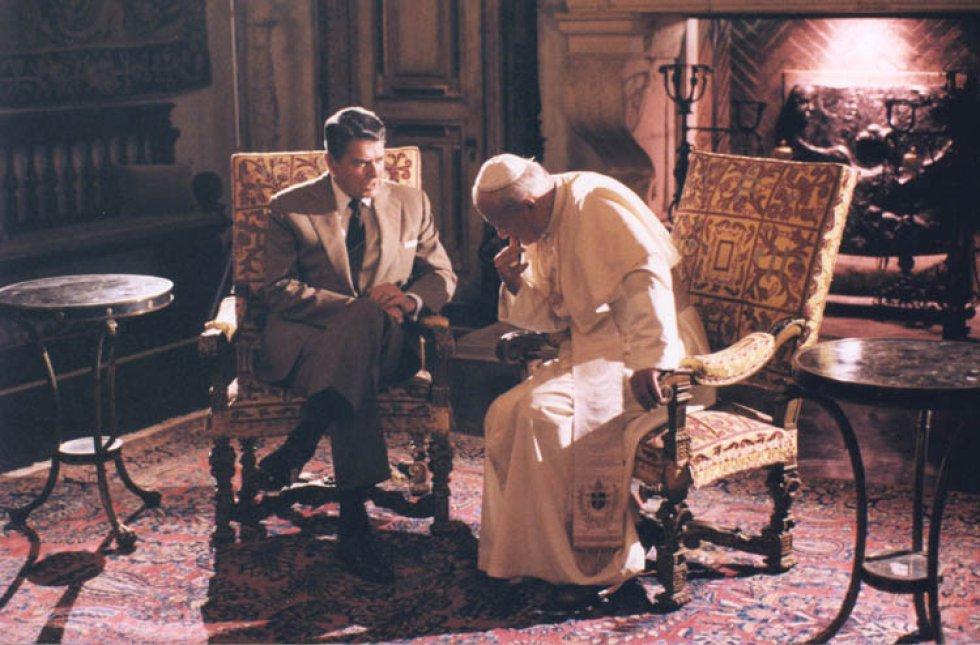 Presidente Reagan con el papa John Paul II / Archivo Biblioteca Presidencial Ronald Reagan