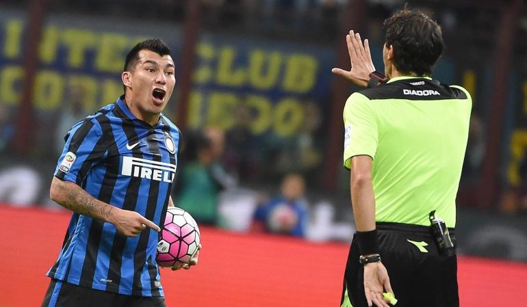Fiorentina arrebata el liderato con un 1-4 al Inter