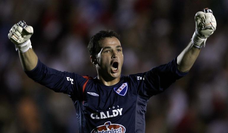 Alexis Viera ataque Diego Forlán y Álvaro Recoba partido benéfico: Partido de fútbol en Uruguay recauda 50.000 dólares para Alexis Viera
