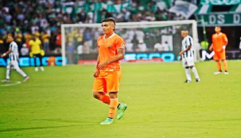 Cristian Arango es cedido al Valencia de España