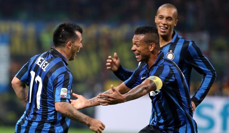 Gary Medel pone líder al Inter