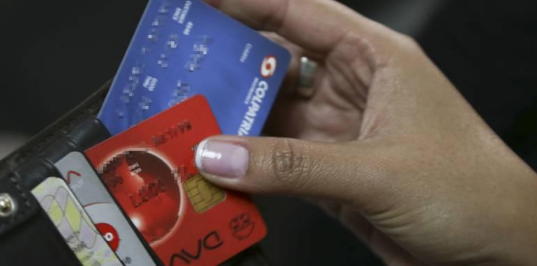 Créditos hipotecarios y de vehículos.: Colombianos se cuelgan en pagos de créditos hipotecarios y de vehículos