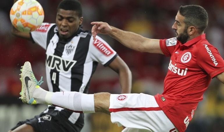 Dunga convoca a Jemerson por suplir la baja por expulsión de David Luiz