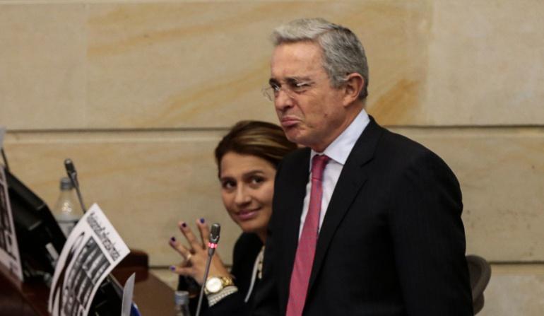 Uribe defiende trinos ofensivos de María Fernanda Cabal