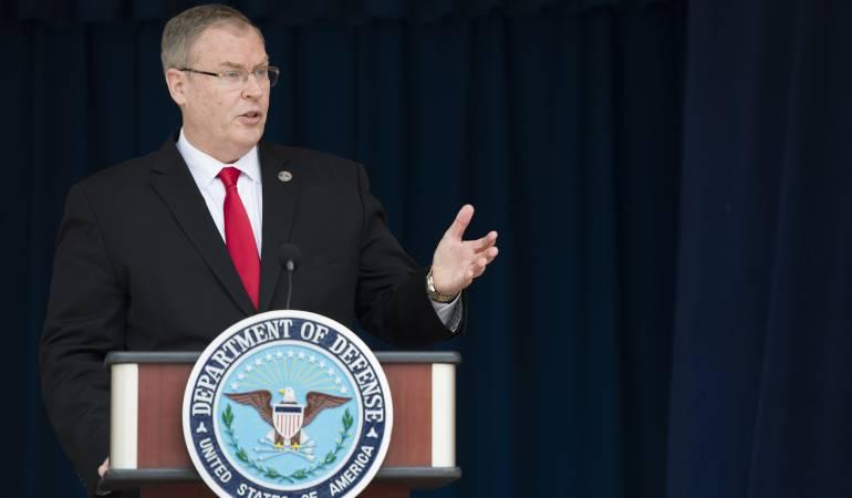 EE.UU. promete continuar ayuda de seguridad a Colombia para consolidar la paz