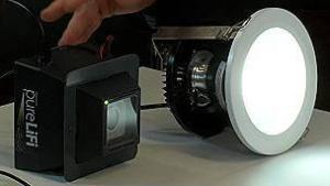 La tecnología LiFi utiliza la luz visible y un diodo emisor de luz LED.