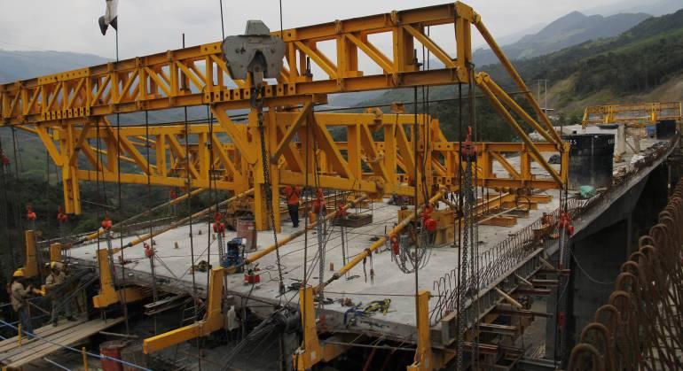 En 20 años Colombia estará intercomunicada con puertos, vías y ...