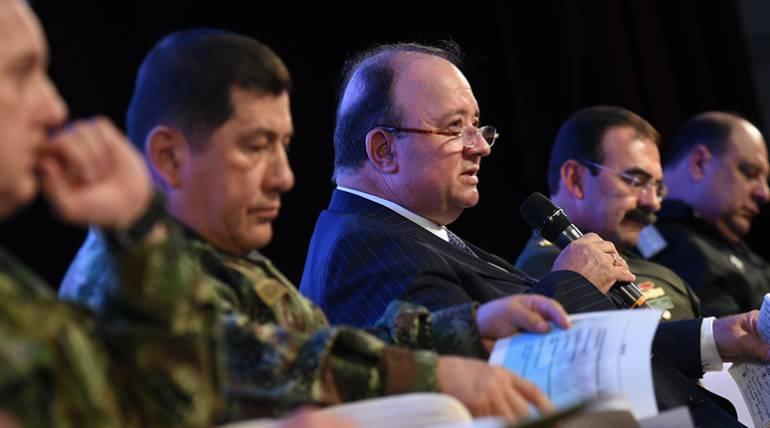 Nuevos anónimos motivaron retiro de petición de ascenso del general Martínez