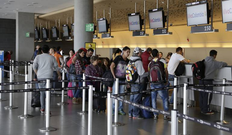 Más de 300 colombianos viajaron a Europa en primer día sin visa Schengen