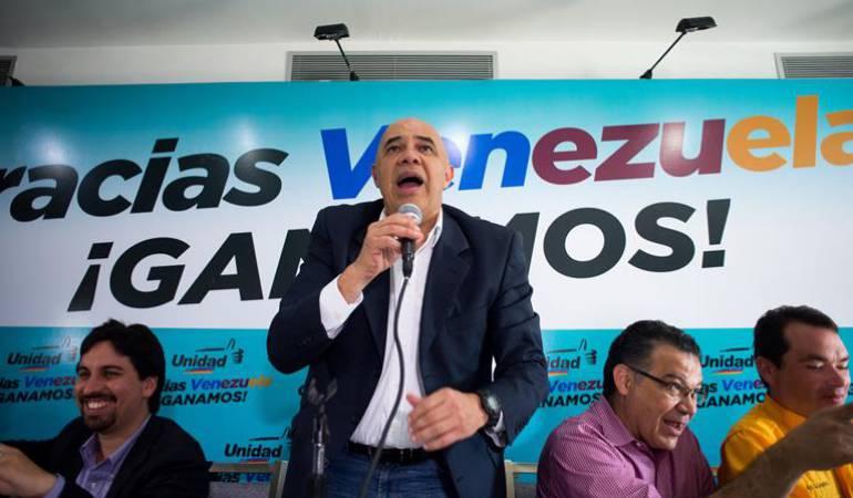 El secretario de la Mesa de la Unidad de Democrática, Jesus Toreralba, durante una rueda de prensa en Caracas.