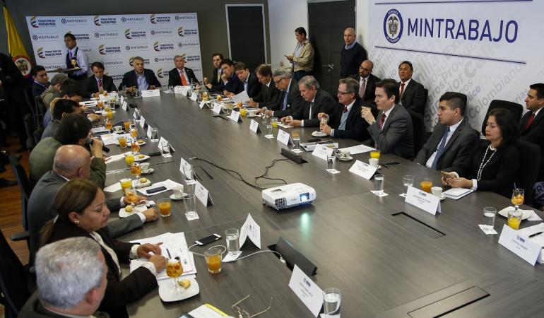 Salario mínimo Colombia: Se aleja posibilidad de concertación salarial para el 2016