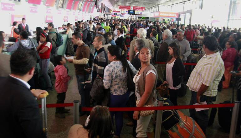 Cerca del 10% crecerá el número de pasajeros aéreos durante el fin de 2015