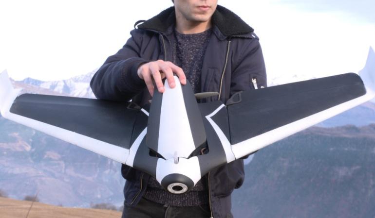 Parrot presentó en el CES 2016 un dron con alas: Adiós a los drones como los conocemos, Parrot presenta uno con alas
