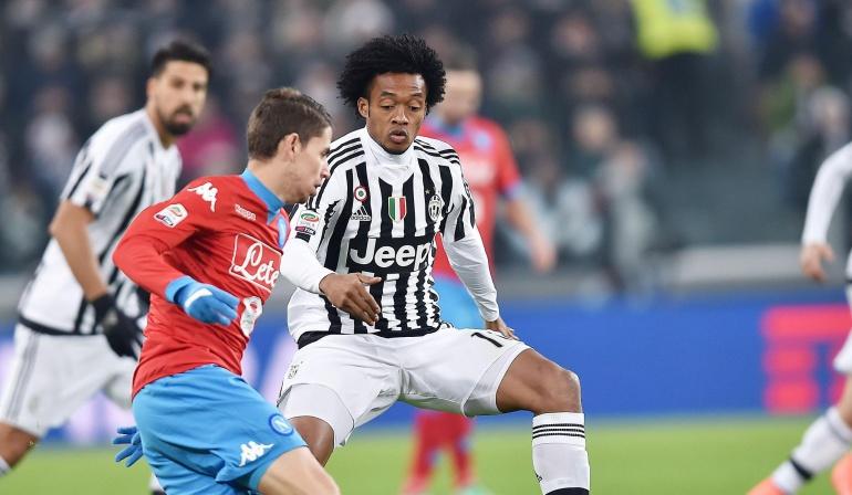 Un gol de Zaza le da el triunfo y el liderato al Juventus ante el Nápoles