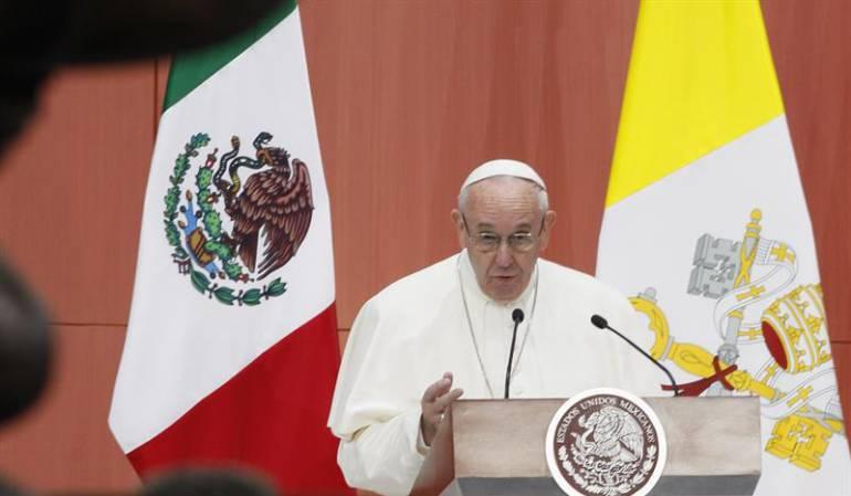 Visita del papa a México: El papa llama a los obispos mexicanos a enfrentar con coraje el flagelo del narcotráfico