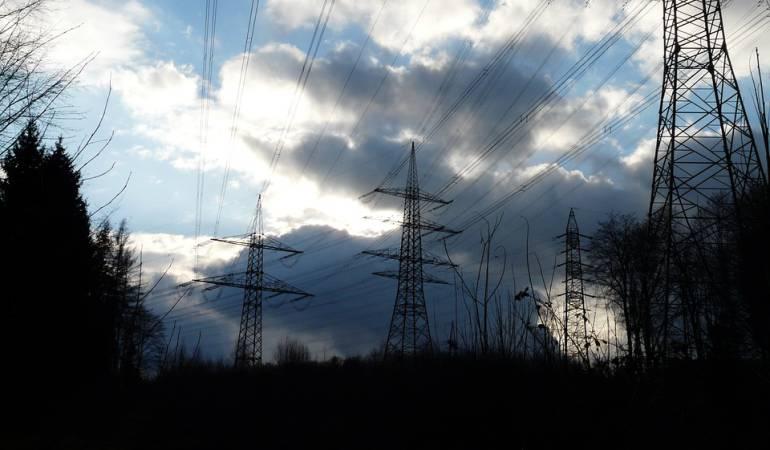 Gobierno descarta racionamiento y cortes de energ a for Racionamiento de luz en aragua