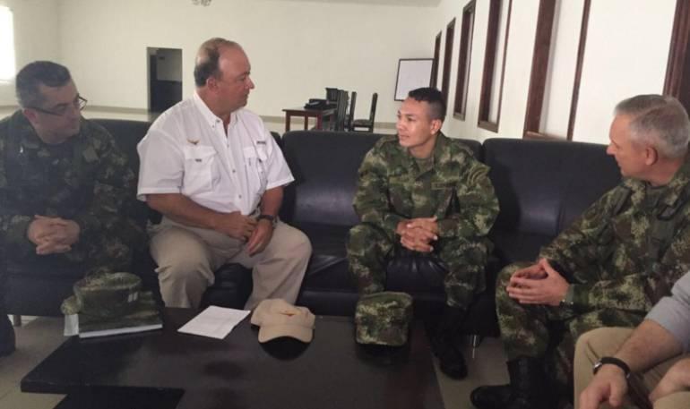 Presidente Santos habló con el cabo Villar, liberado hoy por el ELN